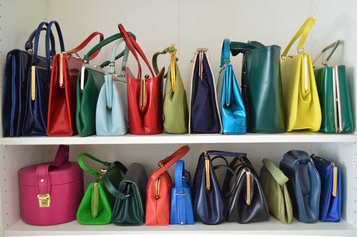 purses-organized-by-size-on-shelves