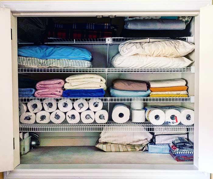 Linen-closet-organization-after